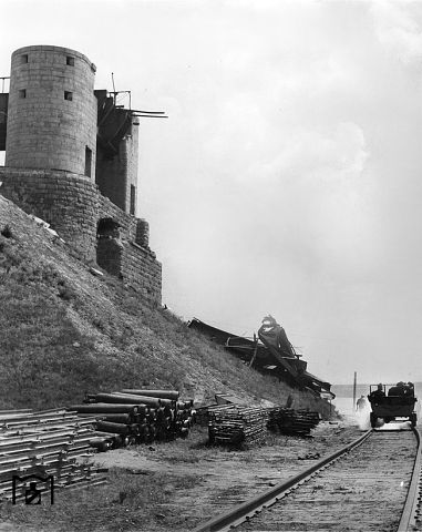 Взорванный мост южнее Днепропетровска, 1941 г.